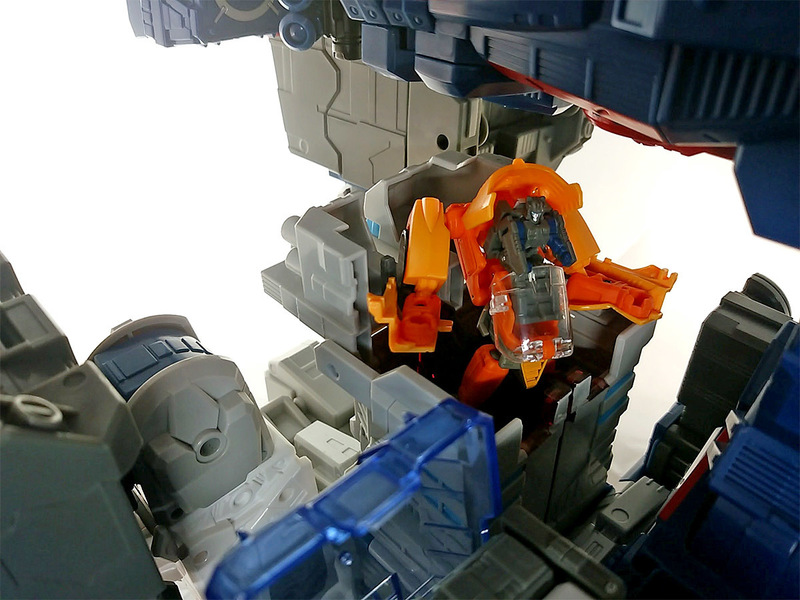 2016-11-15_lg31-fortress-maximus _command-post.jpg