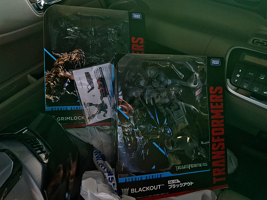 2018-04-22_transformers-studio-series2018_package.jpg