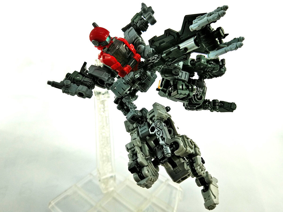 2018-12-28_diaclone-maneuver-3-unite_lower-body2.jpg